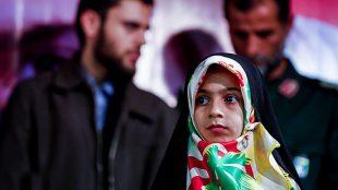TasvirShakhes-Fateme-sadr-zade---salgarde-pedar---ThaqalainSite